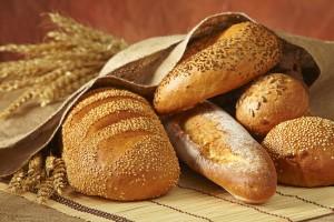 Хлябът на трапезата ни