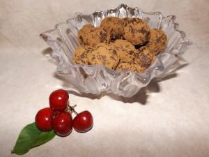 Какаови веган бонбони с орехи и сушени череши