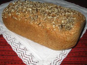 Хляб от лимец, овесени трици и семена