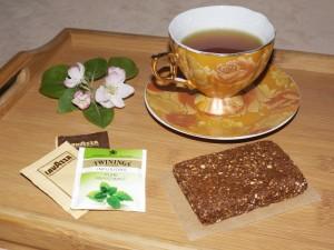 Сурови енергийни блокчета с чиа, какао и овесени ядки