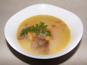 Зеленчукова супа с печени чушки и топено сирене