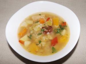 Зеленчукова супа с дюля и тиква