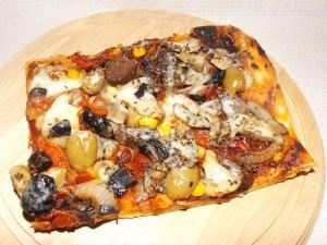 Пица с наденички