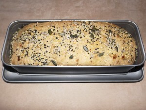 bread_millet_seeds_olives_01