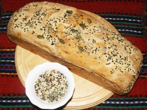 bread_millet_seeds_olives_02