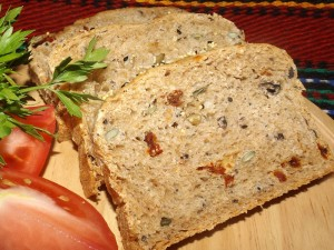 bread_millet_seeds_olives_03