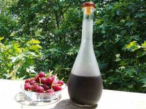 sour_cherry_liqueur_02