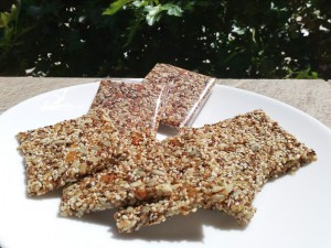 sweet_sesame_crackers_01