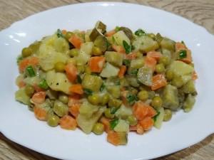 vegan-olivier-salad